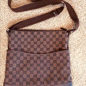 Gucci Cross Body Bag Authentic